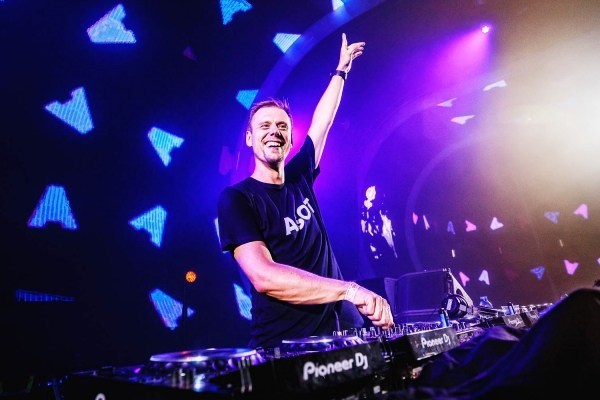 """Armin Van Buuren Reaches New Heights With """"A State Of Trance"""
